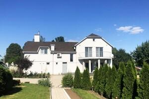 Продается дом на 2 этажа 432 кв. м с садом