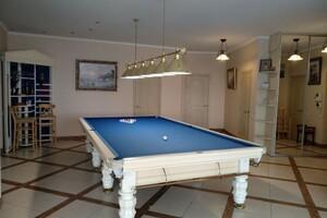 Продается 4-комнатная квартира 210 кв. м в Одессе