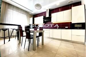 Сдается в аренду 3-комнатная квартира 140 кв. м в Днепре