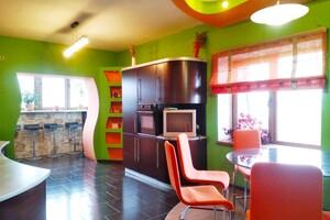 Продается 3-комнатная квартира 137.2 кв. м в Хмельницком