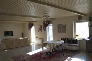 Продается дом на 2 этажа 228 кв. м с садом