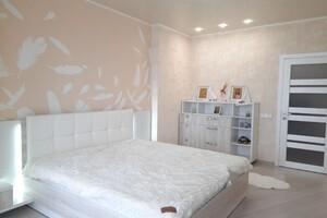 Продается 3-комнатная квартира 105.8 кв. м в Хмельницком
