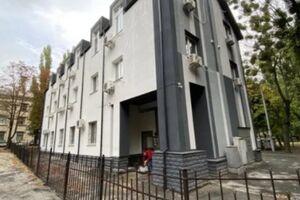 Продается помещения свободного назначения 560 кв. м в 3-этажном здании