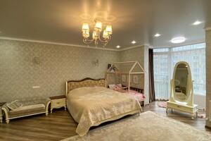 Продается 3-комнатная квартира 122 кв. м в Житомире