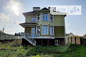 Продается дом на 2 этажа 325 кв. м с подвалом