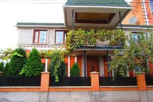 Продається будинок 2 поверховий 210 кв. м з каміном