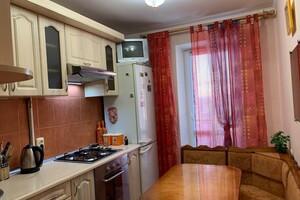 Продается 3-комнатная квартира 64 кв. м в Ровно