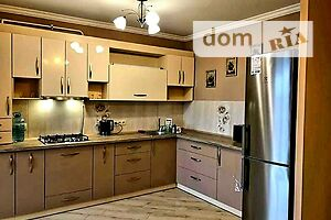 Сдается в аренду 1-комнатная квартира 64 кв. м в Ровно
