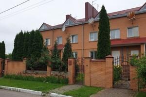 Продается 4-комнатная квартира 223.1 кв. м в Луцке