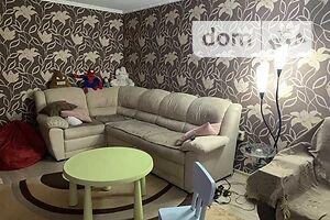 Продается 2-комнатная квартира 70 кв. м в Полтаве