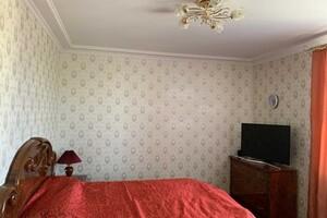 Продается 3-комнатная квартира 74 кв. м в Полтаве