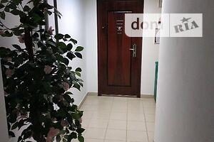 Продається об'єкт сфери послуг 95 кв. м в 10-поверховій будівлі