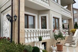 Продається будинок 3 поверховий 359 кв. м з подвалом