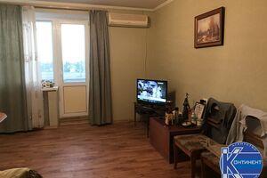 Продається 4-кімнатна квартира 72 кв. м у Херсоні