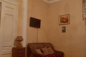 Продается 6-комнатная квартира 200 кв. м в Ивано-Франковске