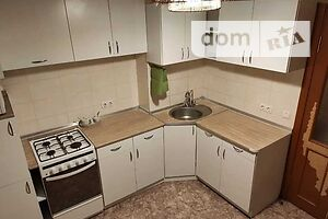 Продается 1-комнатная квартира 37 кв. м в Полтаве