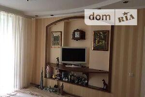 Продається 4-кімнатна квартира 100 кв. м у Полтаві