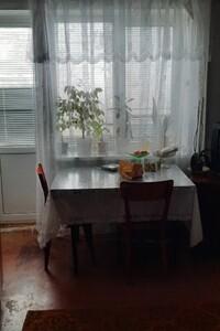 Продається 4-кімнатна квартира 63 кв. м у Полтаві