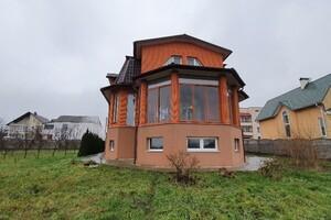 Продается дом на 2 этажа 360 кв. м с мансардой
