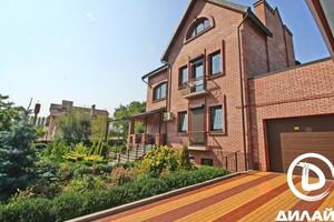 Продается дом на 3 этажа 450 кв. м с садом