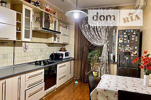 Сдается в аренду 2-комнатная квартира 70 кв. м в Ровно