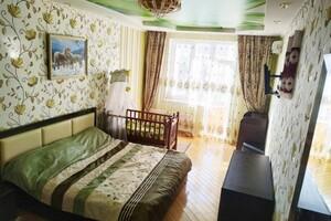 Продается 2-комнатная квартира 76.1 кв. м в Ровно