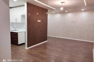 Продается 3-комнатная квартира 58 кв. м в Херсоне