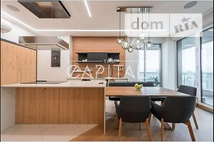 Продается 5-комнатная квартира 178 кв. м в Киеве