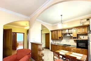 Сдается в аренду 2-комнатная квартира 90 кв. м в Львове
