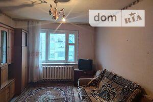 Продається 3-кімнатна квартира 70.2 кв. м у Макарові