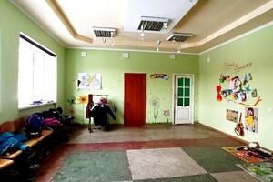 Продается помещения свободного назначения 262.5 кв. м в 10-этажном здании