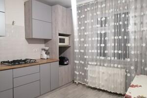 Продається 2-кімнатна квартира 64 кв. м у Тернополі
