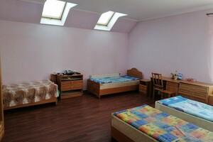 Здається в оренду кімната 37 кв. м у Тернополі