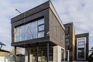 Продається будинок 2 поверховий 235 кв. м з балконом