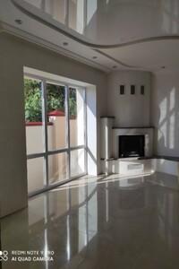 Продается дом на 2 этажа 220 кв. м с гаражом