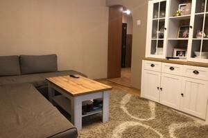 Продается 3-комнатная квартира 70 кв. м в Ужгороде