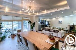 Продается дом на 2 этажа 216 кв. м с террасой