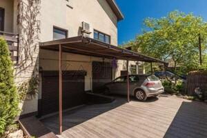 Продається будинок 3 поверховий 456 кв. м з верандою
