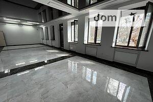 Сдается в аренду помещения свободного назначения 450 кв. м в 3-этажном здании