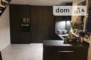 Продается 4-комнатная квартира 112 кв. м в Ивано-Франковске