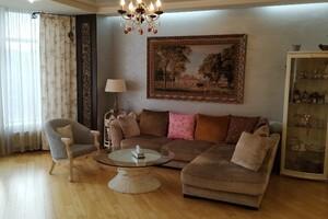 Продається 3-кімнатна квартира 145 кв. м у Одесі