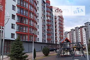 Продается 4-комнатная квартира 130 кв. м в Ивано-Франковске