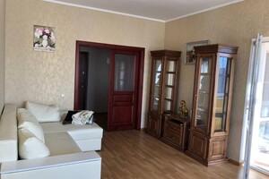 Продается 2-комнатная квартира 78 кв. м в Ровно