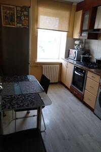 Продається 2-кімнатна квартира 49 кв. м у Полтаві