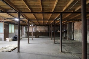 Здається в оренду приміщення (частина приміщення) 400 кв. м в 2-поверховій будівлі