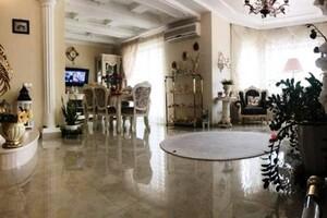 Продается дом на 3 этажа 359 кв. м с мансардой