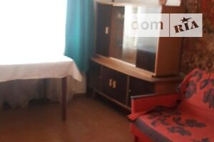 Продається 2-кімнатна квартира 45 кв. м у Миргороді