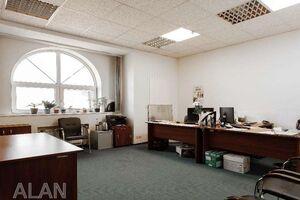 Продается офис 534 кв. м в нежилом помещении в жилом доме