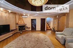 Продается дом на 2 этажа 355 кв. м с камином