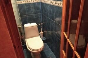 Продается 4-комнатная квартира 82 кв. м в Полтаве
